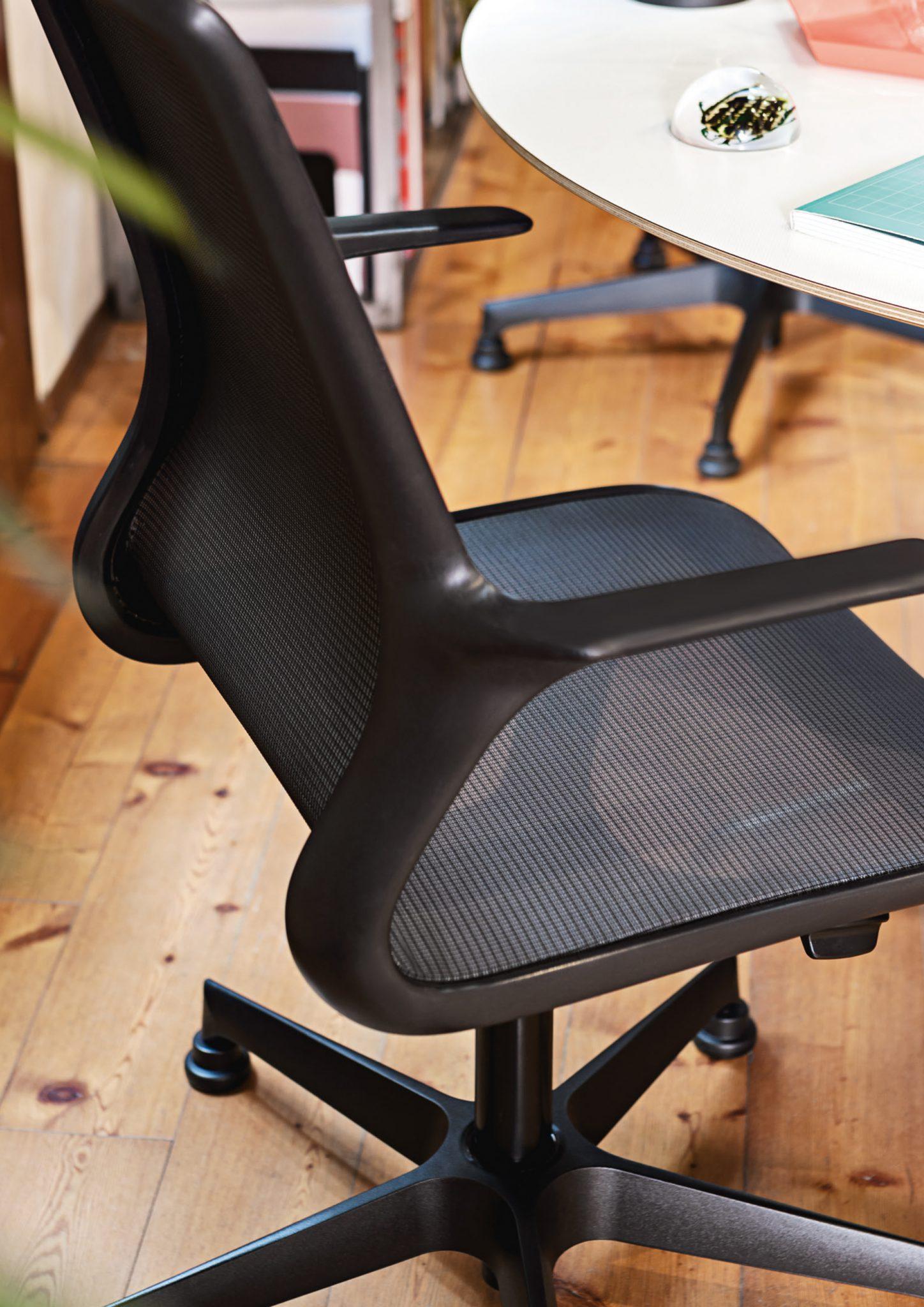 Sedia per ufficio ergonomica Loop 48 in pronta consegna ...