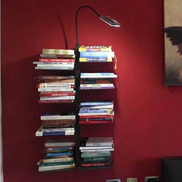 Libreria a parete sospesa con 8 ripiani regolabili in altezza - Studio T