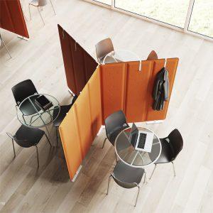 tavolino in metallo design moderno