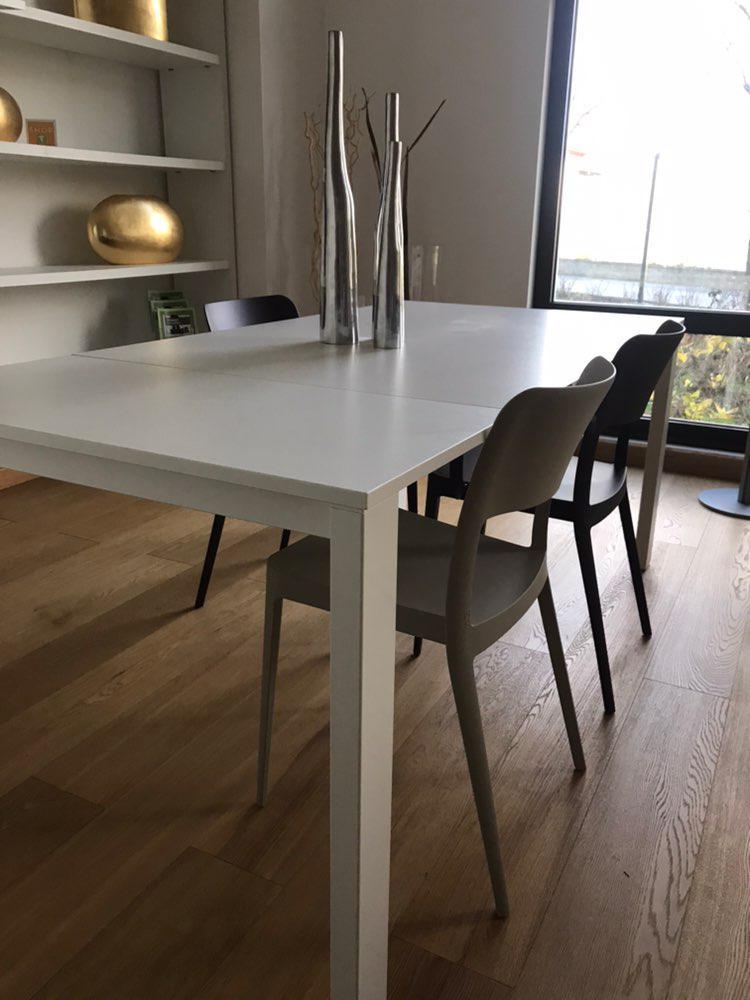 Tavolo allungabile bianco midj design moderno studio t for Tavolo rotondo bianco allungabile